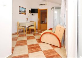Apartman 2-Apartmani Baška,otok Krk (10)